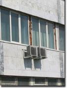 Пример установки бытового кондиционера снаружи помещения